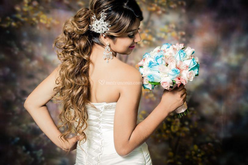 Peinado resaltando el cabello