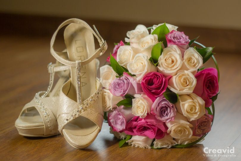 Bouquet y zapatos.