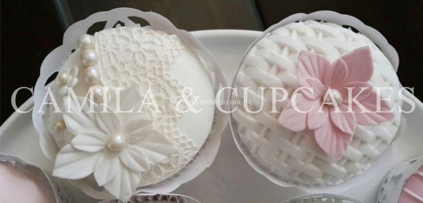 Cupcakes con flores de azúcar