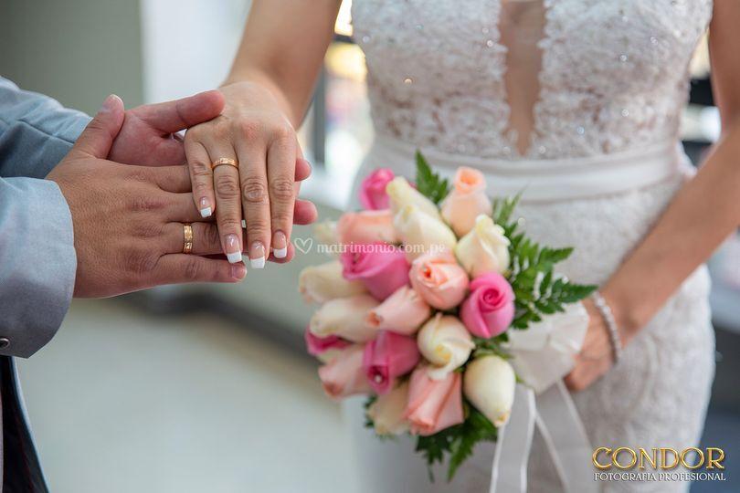 Poniéndose los anillos