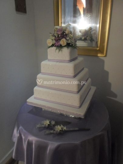 Torta de bodas en blanco