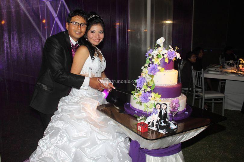 Con la tradicional torta