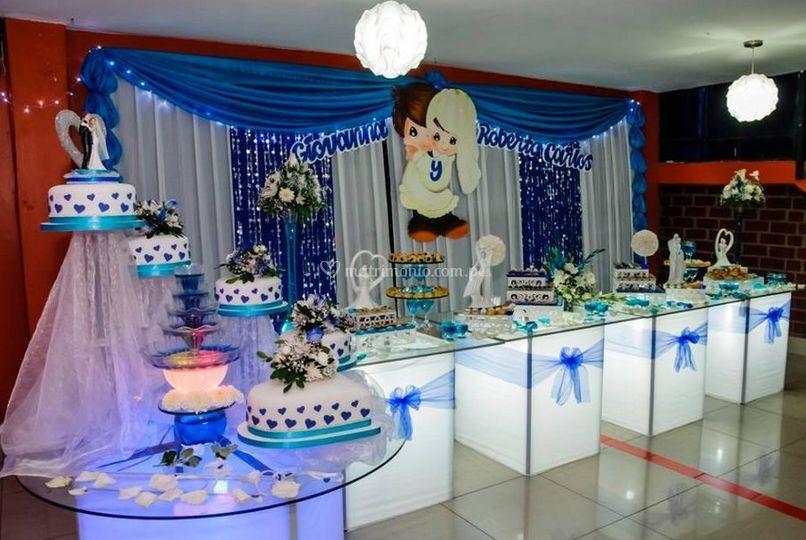 Salones decorados por graduacion sal 243 n azul for Salones decorados para navidad