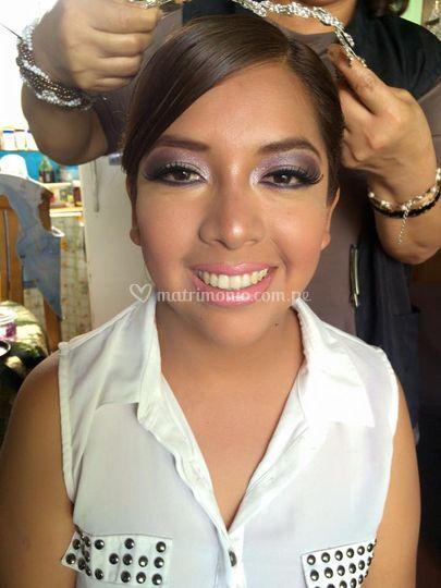 Maquillaje en tonos  morados