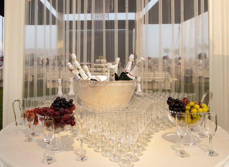 Mesa champagnera