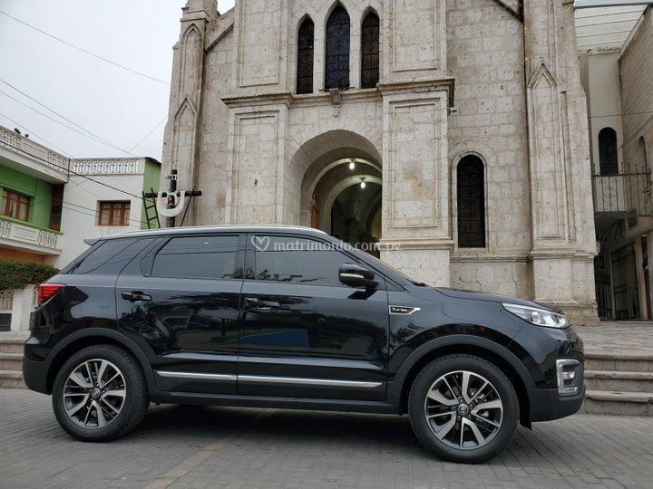 Auto moderno y elegante