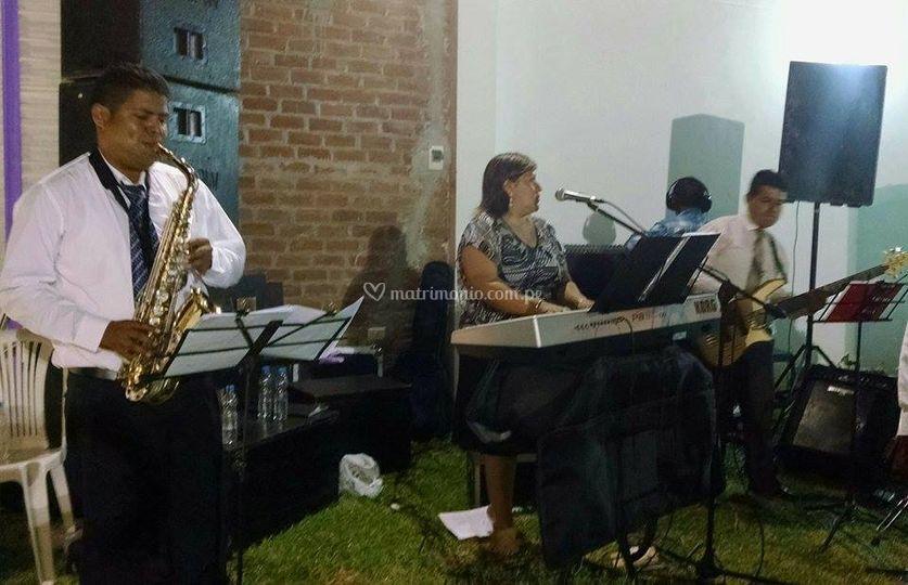 Marco musical con saxofón de Rhema Música | Foto 16