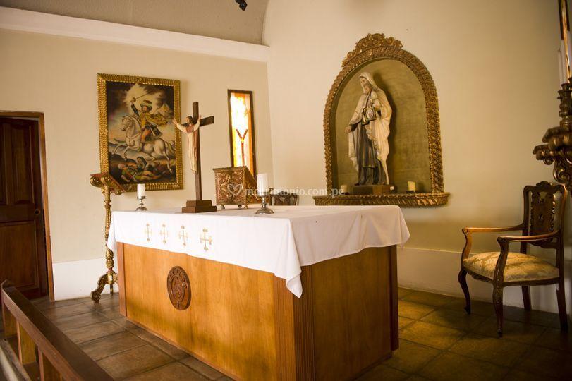 Interior capilla - altar