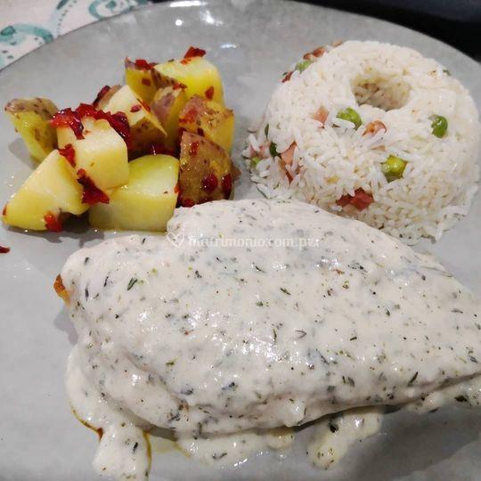 Pollo en salsa finas hierbas