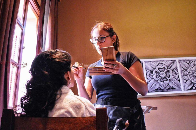 Maquillando a Sofie