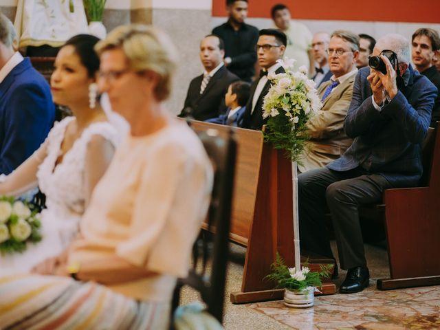 El matrimonio de Sébastien y Denisse en Lima, Lima 33