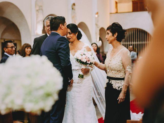 El matrimonio de Fernando y Milagros en San Miguel, Lima 37
