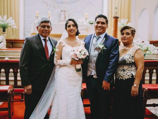 El matrimonio de Fernando y Milagros en San Miguel, Lima 48