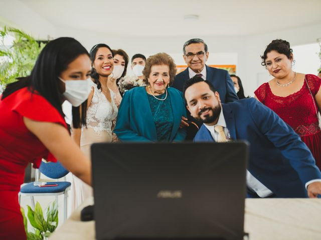 El matrimonio de Reginaldo y Patricia en San Borja, Lima 25