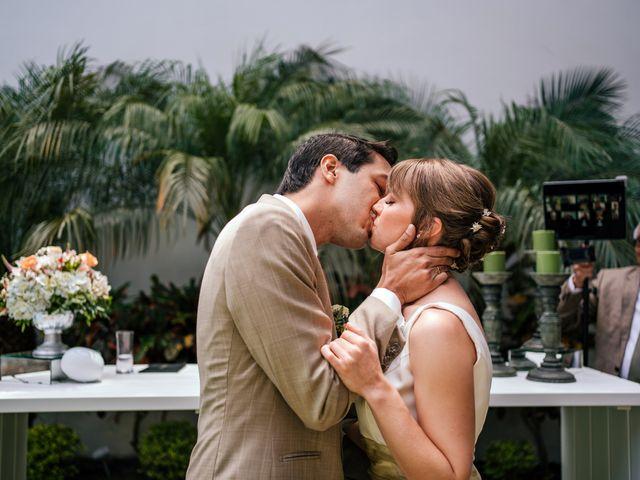 El matrimonio de Ksenia y Daniel en Santiago de Surco, Lima 9