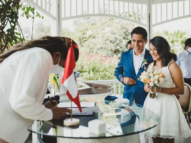 El matrimonio de Alex y Luzma en San Borja, Lima 23