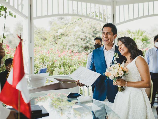 El matrimonio de Alex y Luzma en San Borja, Lima 25