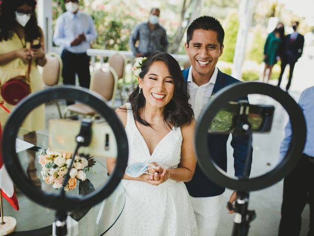 El matrimonio de Alex y Luzma en San Borja, Lima 27