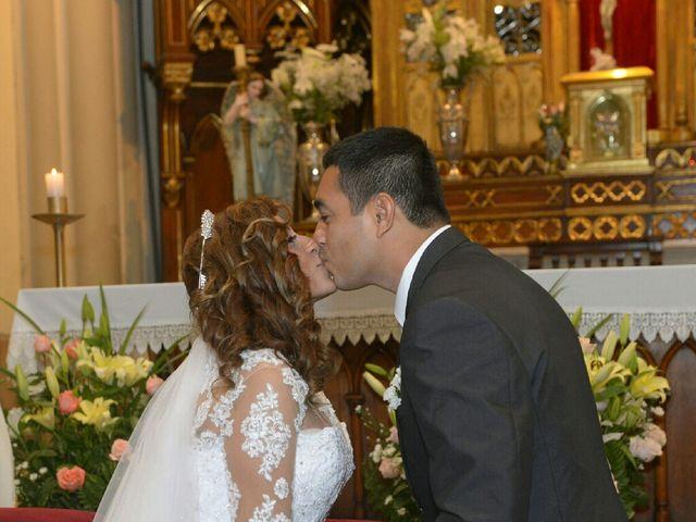 El matrimonio de Santiago y Luciana  en Lima, Lima 8