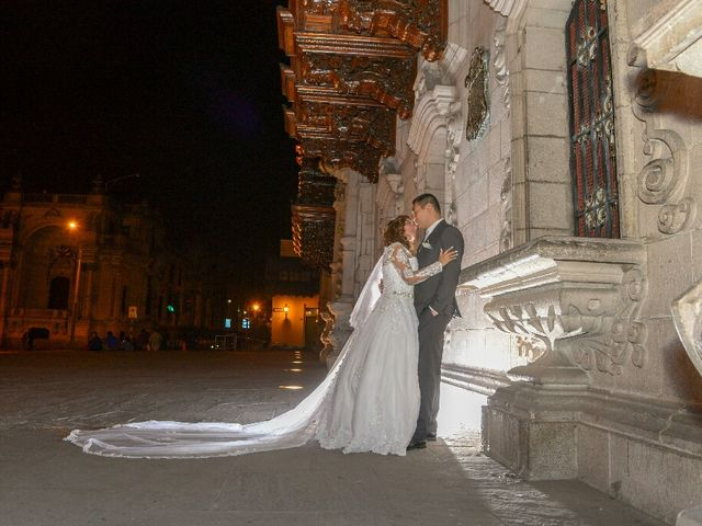 El matrimonio de Santiago y Luciana  en Lima, Lima 10