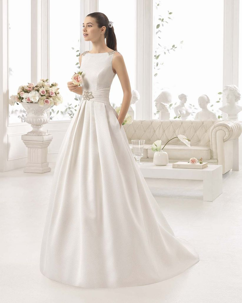 Vestidos de novia modernos para bodas de plata