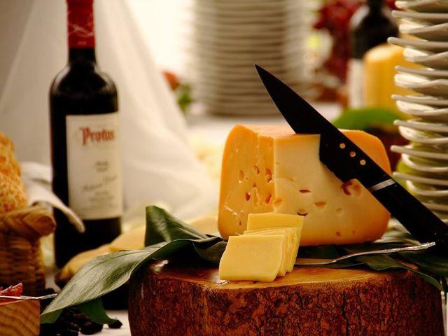 Mesa de quesos: opción fresca y deliciosa para celebrar su matrimonio