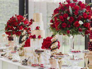 Lo que nadie les contó sobre cómo lucir la torta de matrimonio