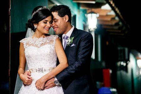 Elige las joyas según el escote del vestido de novia