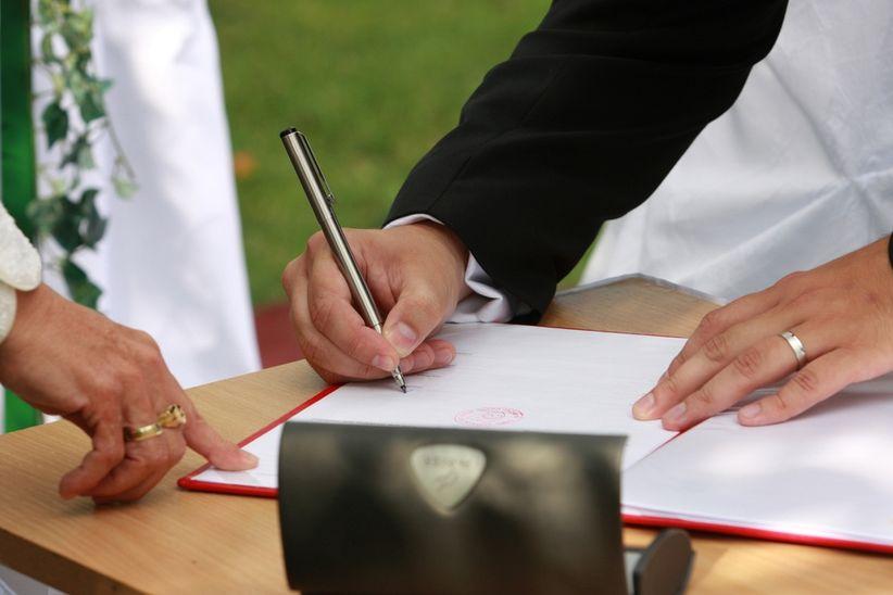 Matrimonio Catolico Sin Registrar : Diferencia entre padrinos y testigos de matrimonio católico