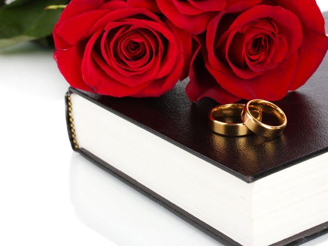 Lecturas para la ceremonia de la rosa: ¡símbolo de amor para dos!