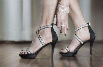Brilla de pies a cabeza: 35 zapatos joya que te enamorarán