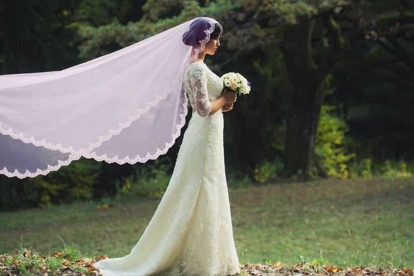 020342498 Cuenta la historia que el velo se utilizaba para proteger a la novia de  fuerzas malignas que podrían atacar su pureza. Alrededor del velo se  tejieron ...