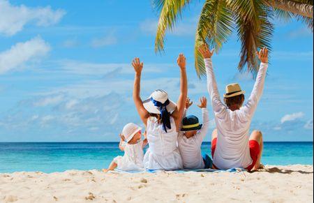 Luna de miel con niños: 10 destinos para disfrutar en familia