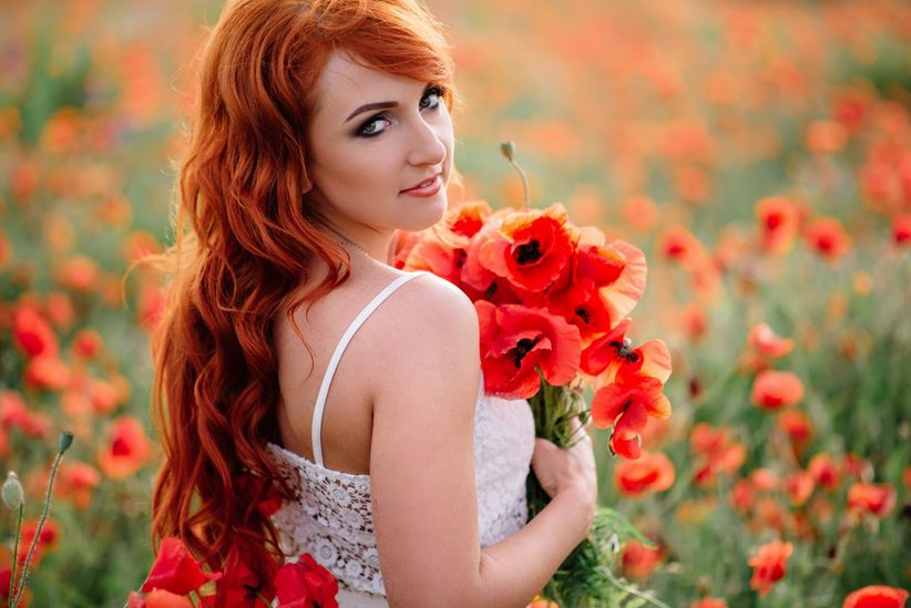 https://cdn0.matrimonio.com.pe/img_g/articulos-a-fotos/ramos/amapolas-bouquet-peliroja-rustico.jpg