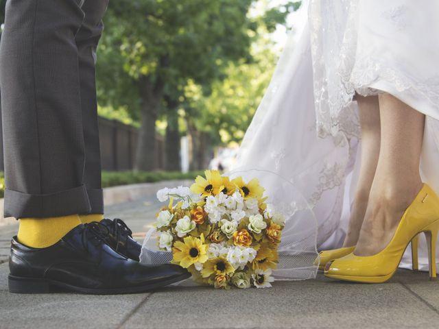 Orlando y Francisca, un original matri en amarillo