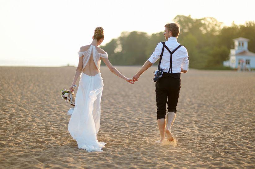 Matrimonio Catolico En La Playa : Qué zapatos llevar para una boda en la playa