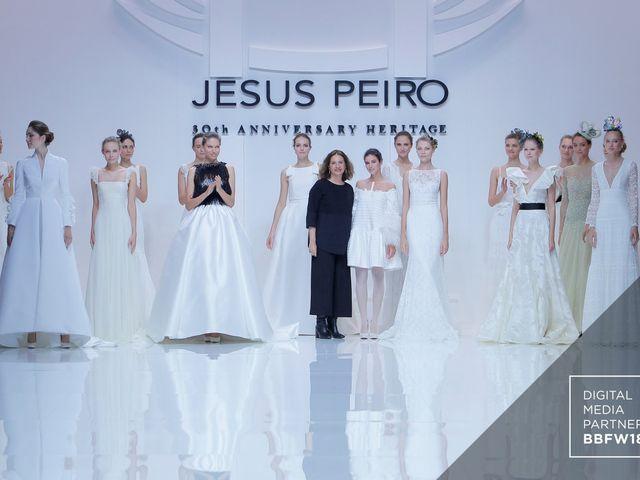 Vestidos de novia Jesús Peiró 2019: desfile de la colección Heritage en la Barcelona Bridal Fashion Week