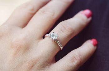 Anillos de compromiso de plata: delicadeza y elegancia