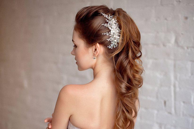 Peinados altos y elegantes para novias