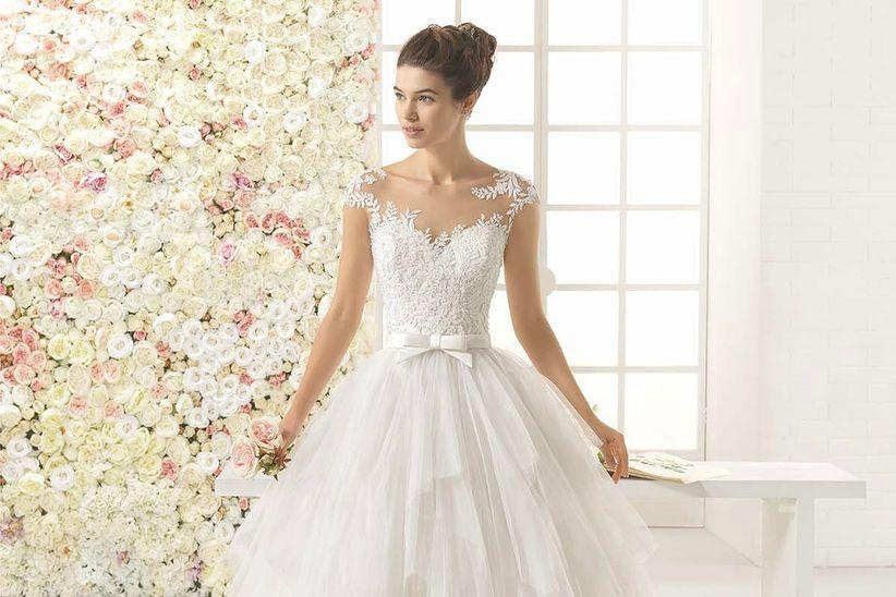 vestidos de novia con efecto tattoo lace, la tendencia que continúa
