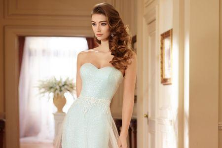 Dale una pincelada a tu estilismo con estos vestidos de novia de color