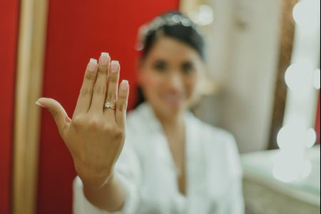 Argollas de matrimonio o compromiso: elígelos según la forma de tus manos