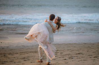La tradición de tomar a la novia en brazos en la noche de bodas