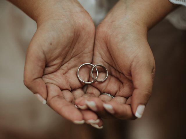 ¿Cómo limpiar el anillo de compromiso y los aros de matrimonio?