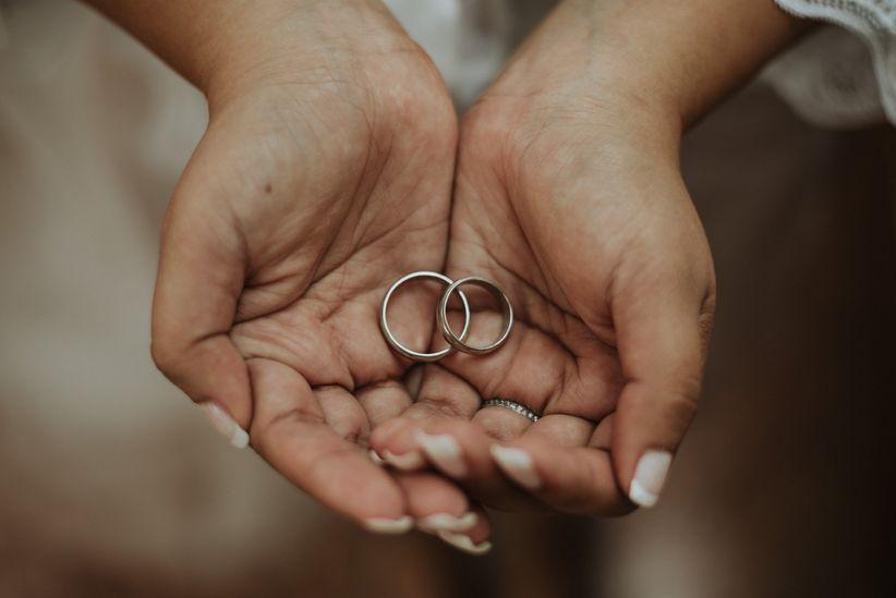 d30e4950cbba Cómo limpiar el anillo de compromiso o los aros de matrimonio