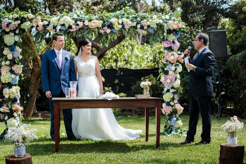 Matrimonio Simbolico En Peru : Mario hart y korina rivadeneira se casaron mira el look de todos