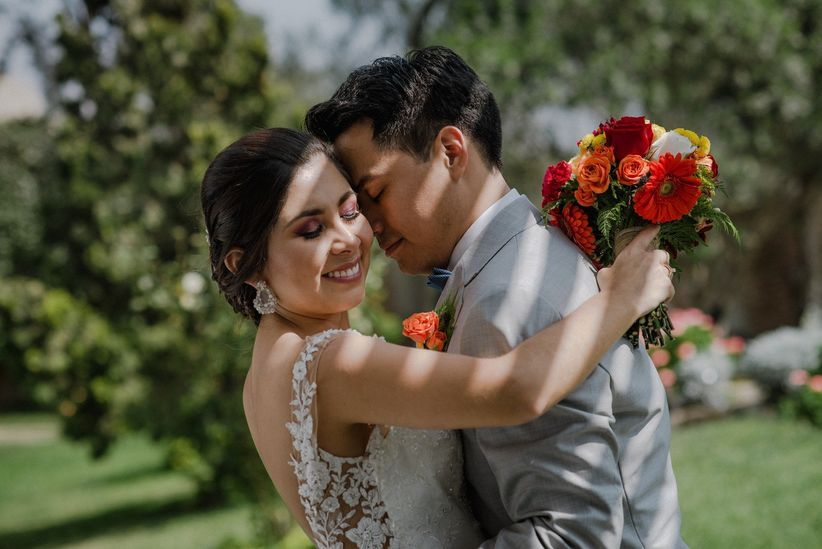 3ab4af29e1c71 8 consejos para elegir el ramo de novia perfecto
