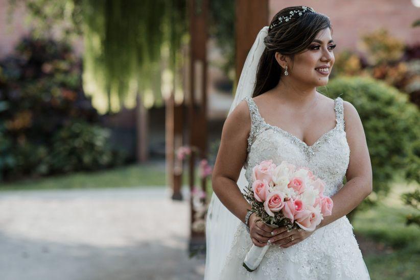 5bcff07e4 Cómo encontrar el vestido de novia ideal para tu cuerpo