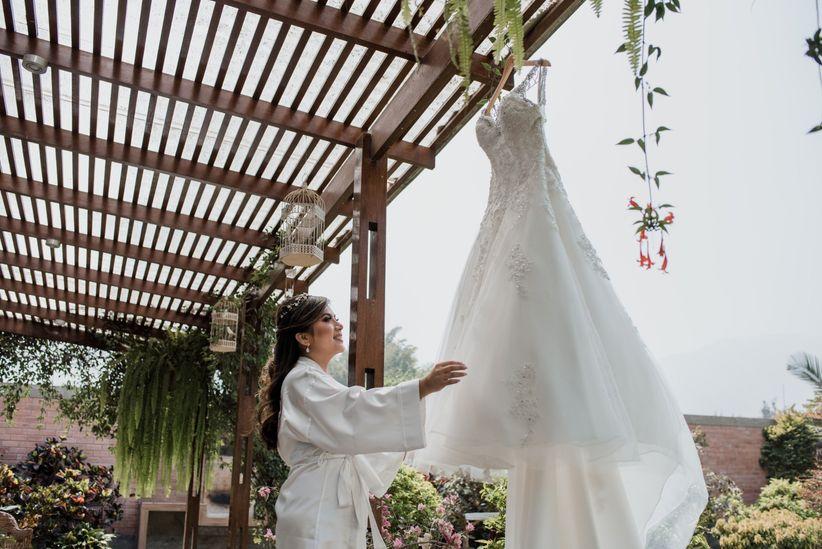 ad37f0fa8 Qué momento es el ideal para cambiarse el vestido de novia