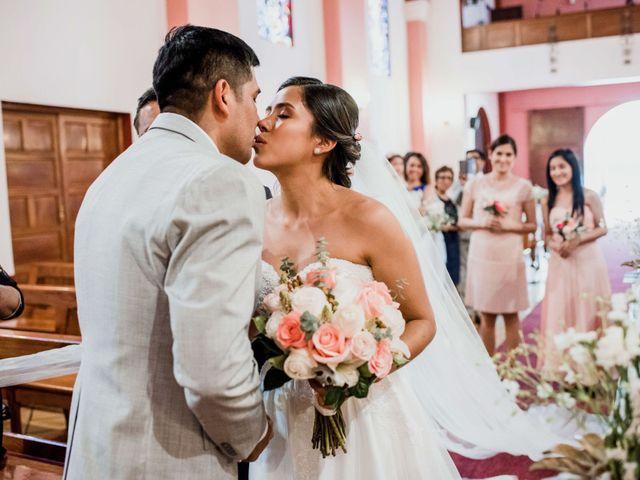Toma de dichos: qué es y a quiénes elegir como testigos del expediente de tu boda religiosa
